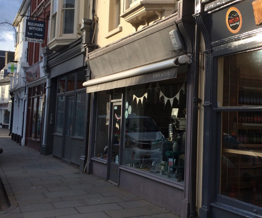 Brecon – 6b The Bulwark – Retail